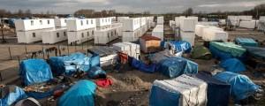 Campo de contenedores en Calais : photo PHILIPPE HUGUEN / AFP