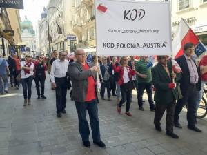 Asistimos a una concentración por la democracia y los derechos humanos amenazados en Polonia