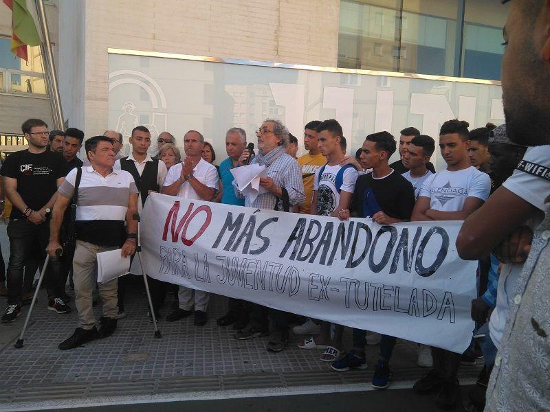 Cádiz: Manifiesto y concentración | No más abandono para la juventud extutelada